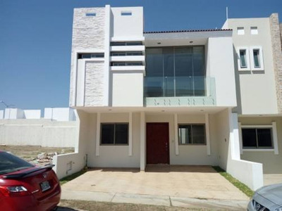 Casa En Venta Av. Federalistas Col. La Cima