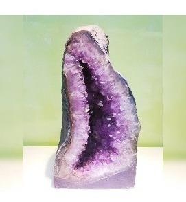 Capela De Ametista Grande Poder Energético Com Cristal Pedra