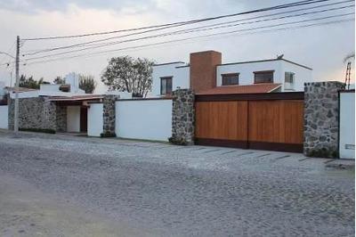 Hermosa Residencia En Jurica! Terreno De 1,100m2, De Lujo, Gran Jardín, Premium!