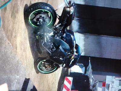 Moto Kawasaki 1000cc Zx10r