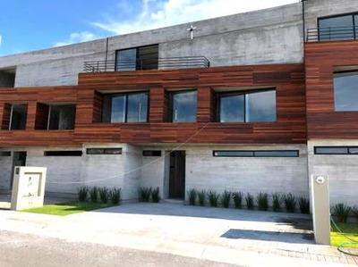 Venta De Casa Con 3 Recámaras, Querétaro