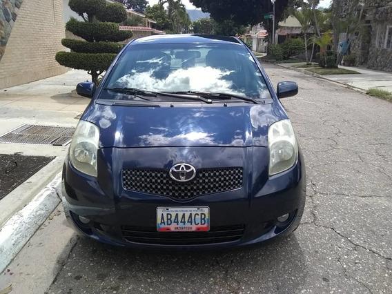 Toyota Yaris 4 Puertas Automático