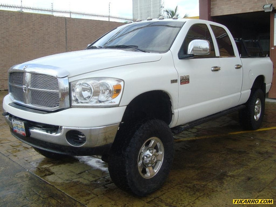 Dodge Ram Pick-up 4x4 - Automática