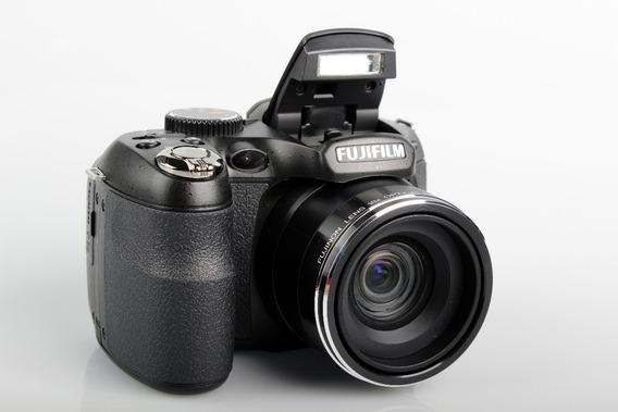 Câmera Fotográfica Digital Fujifilm S2800hd -14 Mega Pixels
