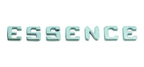 Imagem 1 de 5 de Emblema Essence ( Uno Bravo Doblo Ideia Linea Palio Punto )
