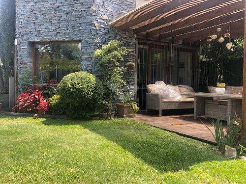 Muy Linda Casa Con Jardín,de 3 Dormitorios