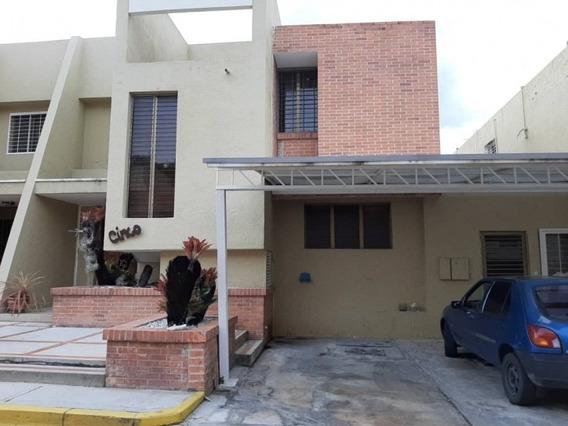 Townhouse En Altos De Guataparo. Wc