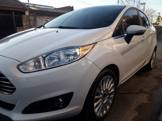 Ford Fiesta Kinetic Design 1.6 Sedan Titanium 120cv 2016