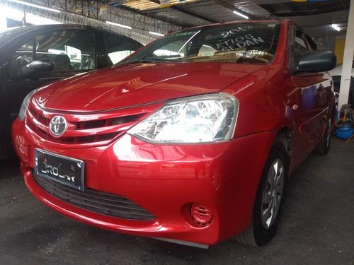 Etios Sedan X 1.5 2013