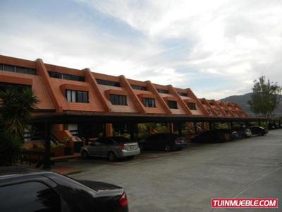 Townhouses En Venta Lomas De La Trinidad 17-11217