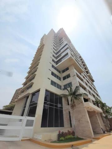 Apartamento En Venta Av El Milagro Maracaibo Mls #20-18431