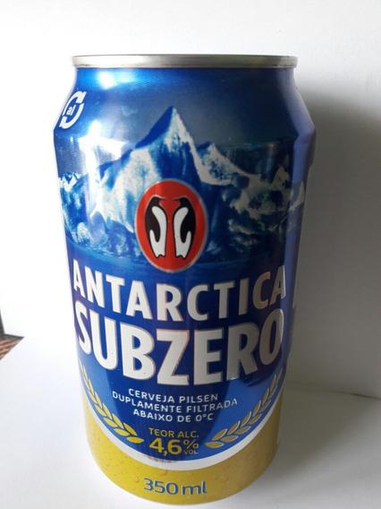 Lata De Cerveza De Colección Antarctica De Brasil Llena
