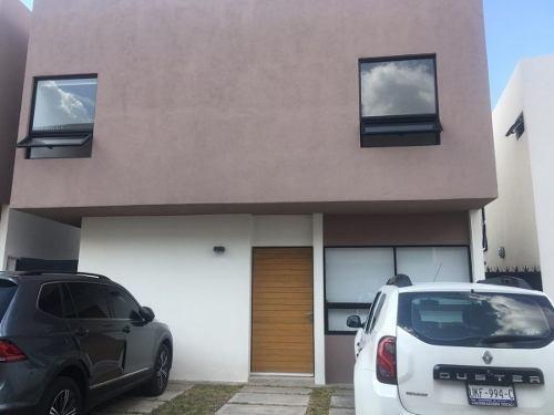 Se Renta Linda Casa En San Isidro Juriquilla