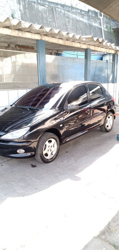 Imagem 1 de 11 de Peugeot 206 2005 1.4 Feline 5p