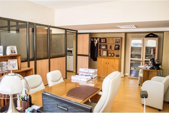 Oficina Comercial En Alquiler 3 Piso - Nqn Centro