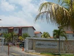 Townhouse En Venta Villas Martinique Lecherias
