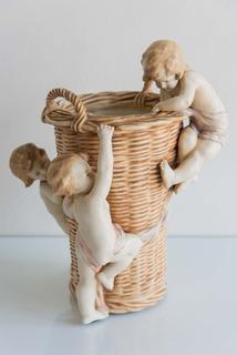 Florero De Porcelana Austriaca Amphora