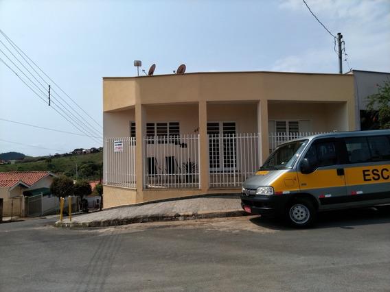 Casa Com Garagem Para 05 Carros