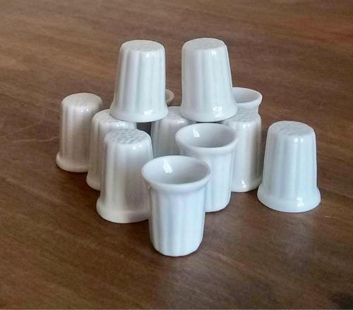 Imagem 1 de 2 de Kit 6 Dedal De Porcelana 2,5cm