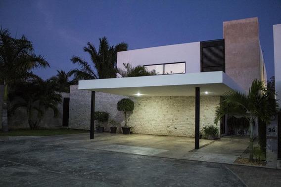 Casa En Venta En Merida, Privada De Lujo Punta Lomas Residencial En Temozon Norte