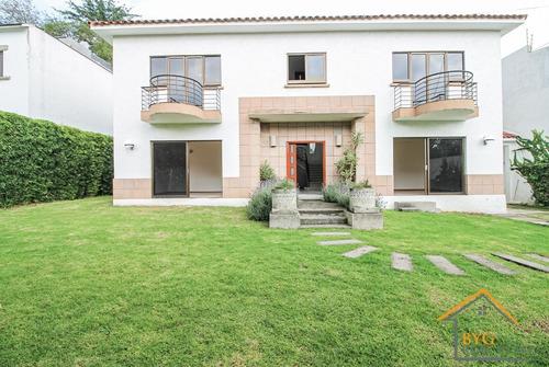 Imagen 1 de 19 de Casa Con  Jardines , Llena De Luz