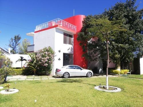 Casa Sola En Venta San Lorenzo Cacaotepec