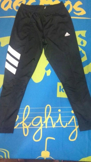 Pantalon Adidad Equipment Talle M (chupin)