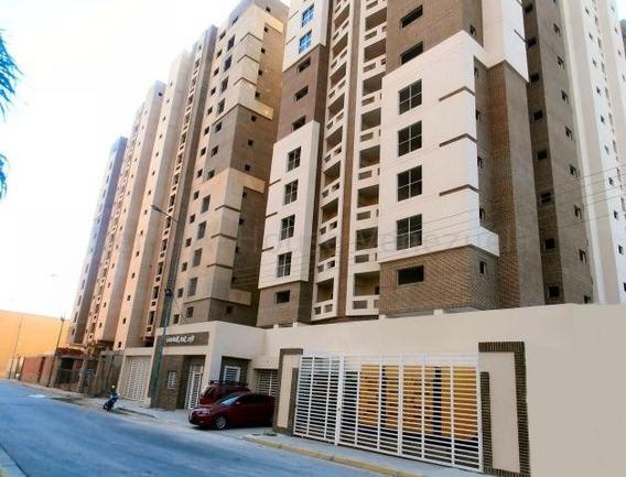 20-8484 Apartamento En Venta Urb Base Aragua Maracay/ Wjo