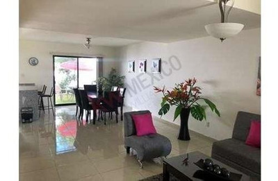 Renta Casa Amueblada Valle De Juriquilla Con Alberca Querétaro $20,000.00
