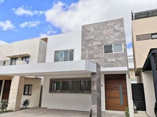 Casa En Venta En Residencial Aqua Cancun Q Roo