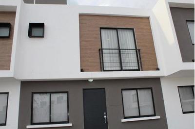 Casa En Venta En Zakia, El Marques, Rah-mx-18-188