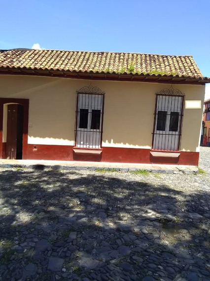 Casa En La Zona Colonial De Petare Cd