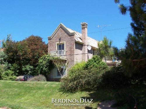 Hermosa Casa Muy Cerca De La Ruta En El Corazón De La Barra- Ref: 282