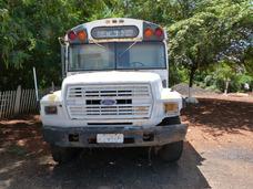 Ônibus Escolar Americano Sucata