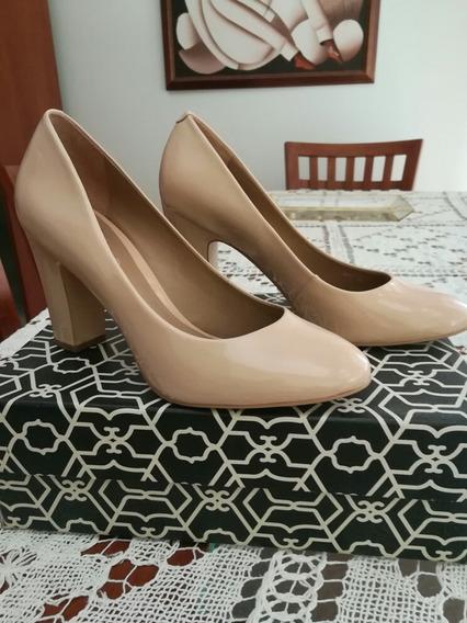 Zapato Stiletto Paruolo CharolPunta Redonda Impecable
