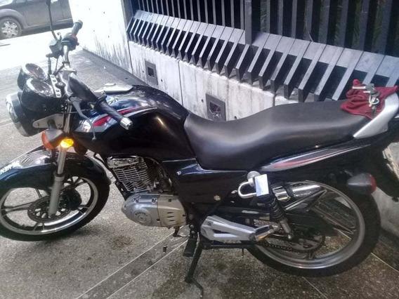 En 125 Suzuki