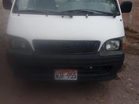 Combi Toyota Hiace Del 2001