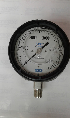 Manómetro Caja Fenolica 4 1/2 PuLG, 0-5000 Psi
