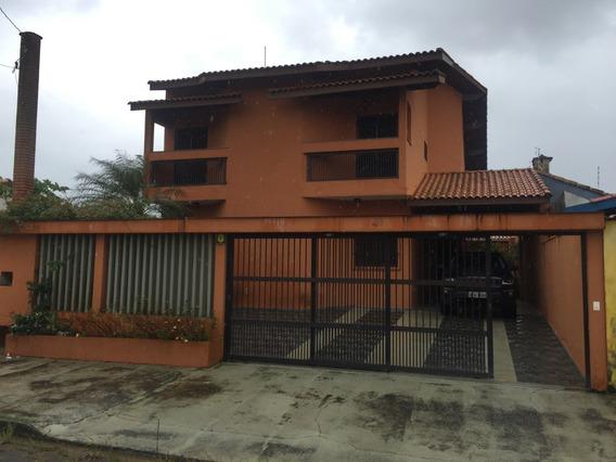 Casa Com 4 Suites, 2 Salas, Cozinha Americana, Churrasqueira