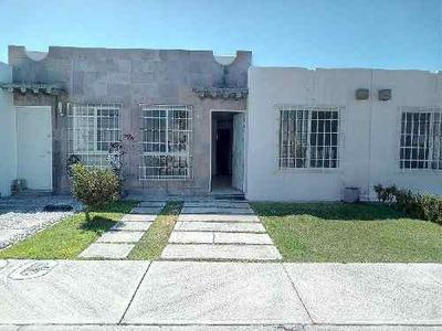 Casa En Renta En Paseos Del Bosque. Querétaro