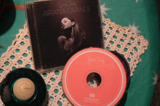 Ariana Grande Cd Solo Joyas De Colección 2019