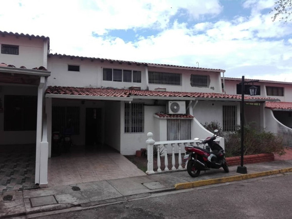 Casa Villa Oeste Madre Juana