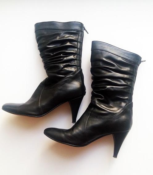 Botas Negras De Cuero De Lucerna Talle 39
