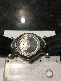 Relógio Oakley Quartz Masculino.