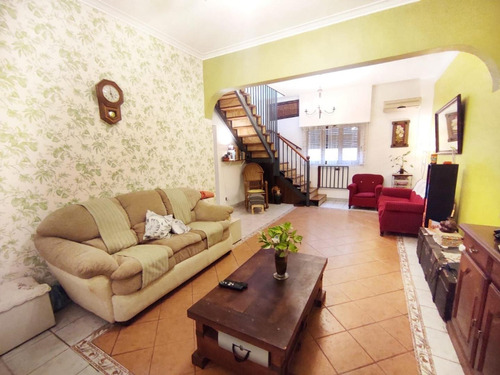 5 Ambientes En Duplex,terraza Privada! A 400 Mts De Yrigoyen