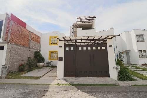 Casa En Venta En Morelia En Villas Del Carmen