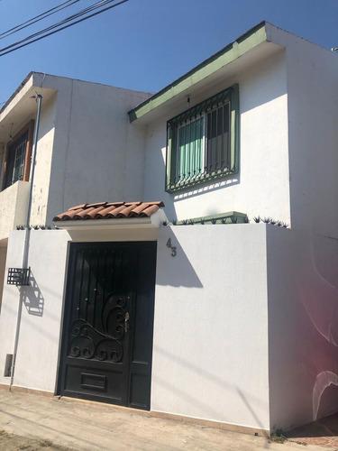 Imagen 1 de 30 de Casa En Venta En Jardines De Santa Isabel, Guadalajara