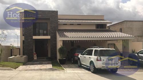 Espectacular Casa En Venta En Residencial El Molino, En Condominio, León Gto