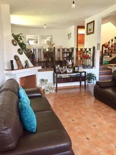 Casa Sola En Fuentes De Satélite
