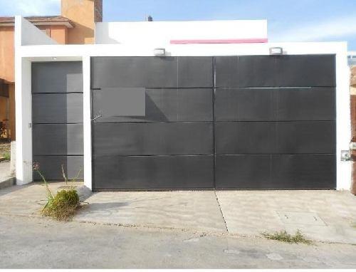 Casa En Venta En Morelia En Fracc. Defensores De Puebla